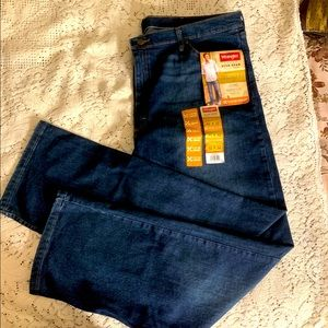 NWT Wrangler 5star premium relaxed fit jeans 42 32